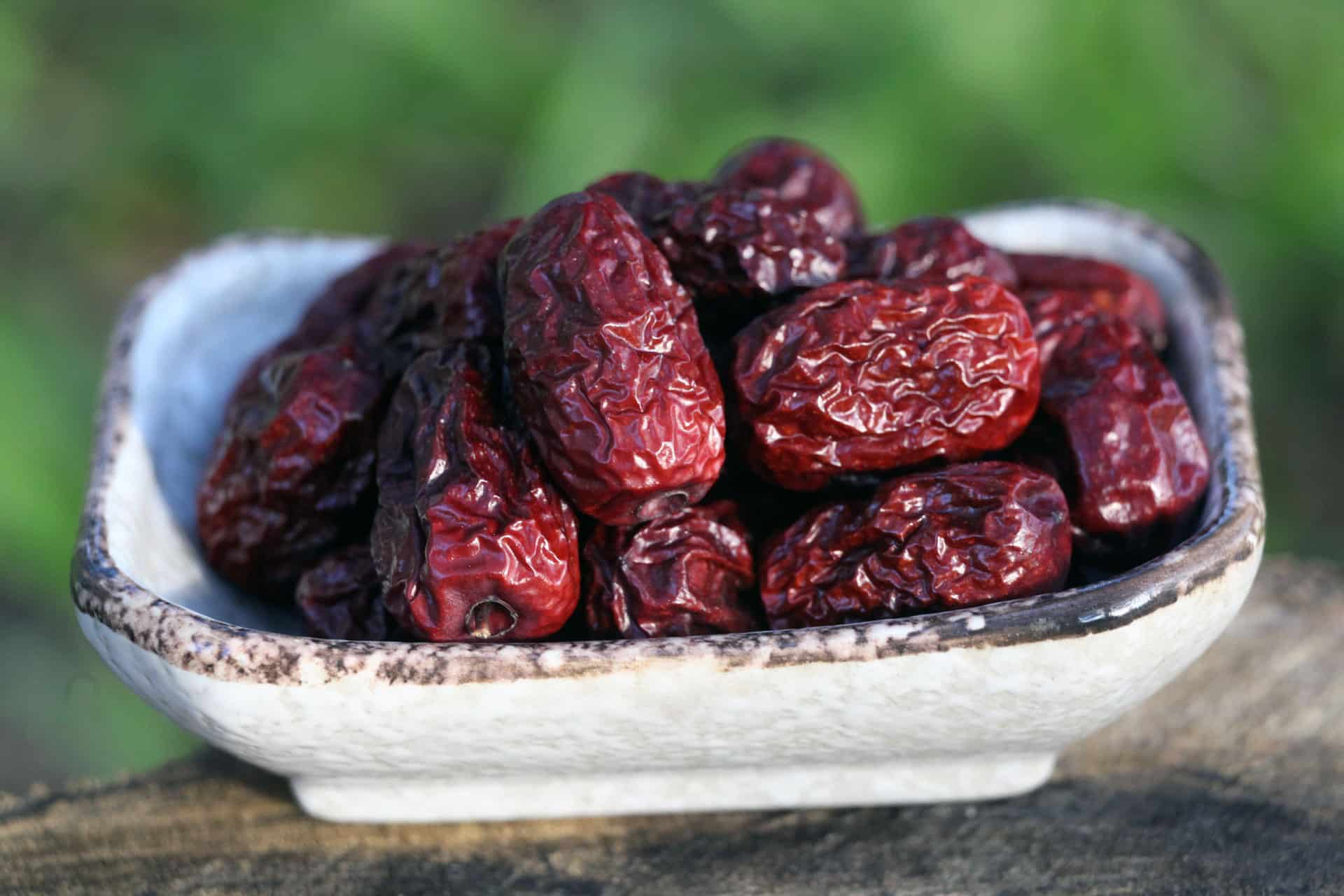 Amazing benefits of eating red dates for women
