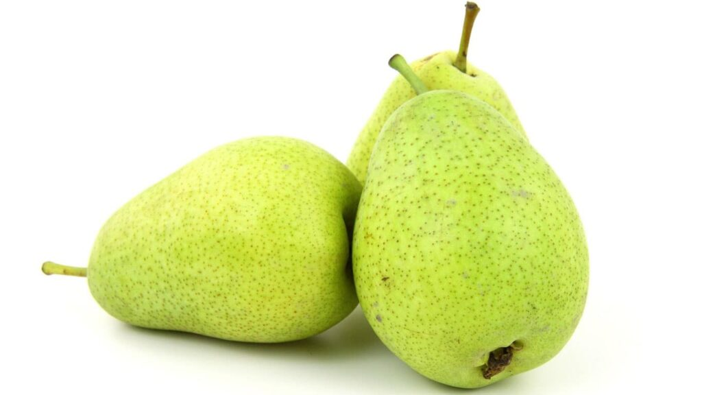 Pear peel is a kind of traditional medicine with high medicinal value. It can clear the heart and nourish the lungs, reduce fire, and produce fluid.