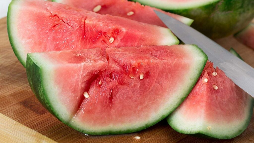 """The effect of watermelon peel is better than that of flesh. In traditional Chinese medicine, the skin of melon is called """"watermelon Cuiyi."""""""